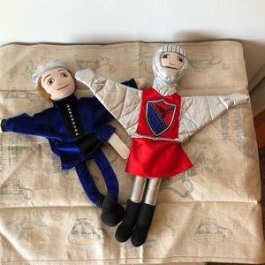 FAO Knight and prince hand puppets